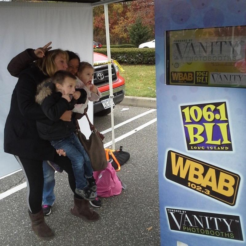 Vanity Photo Booths in Hauppauge, NY | Free Quote | Kidlistings