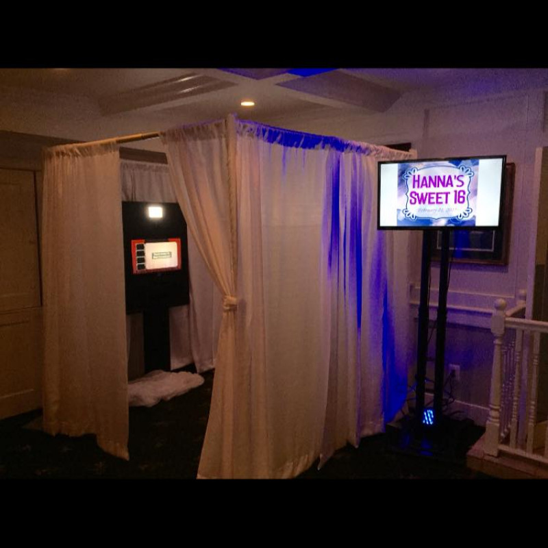 Long Island Mirror Booth in Ronkonkoma, NY | Free Quote | Kidlistings